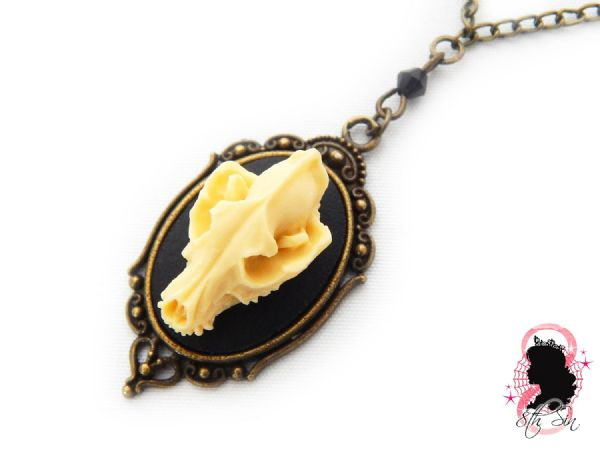 "1.5"" Antique Bronze Wolf Skull Cameo Necklace"